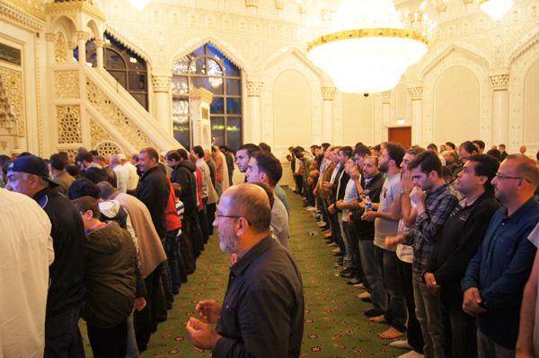Omar-Moschee-Berlin-Fastenbrechen-2016-17